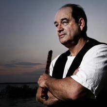 Dr. Fernando Siles